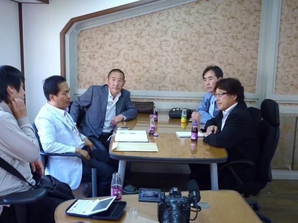 右奥、Sang Hyeon,Kim 代表理事