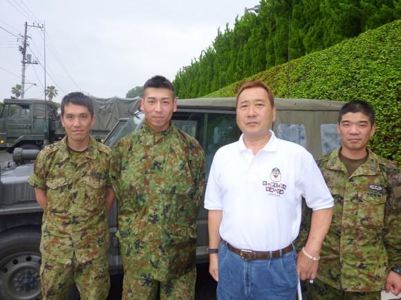 小林常男氏と謎の自衛隊員