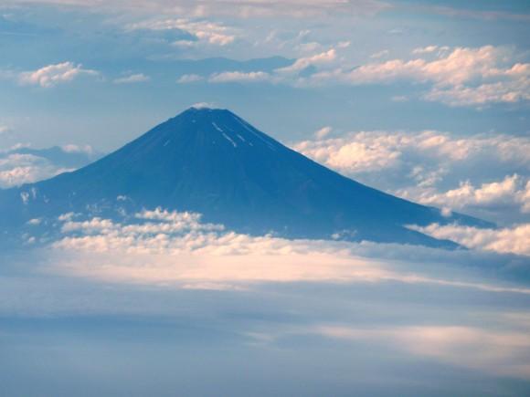 神々しき霊峰富士