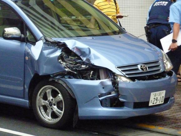 咲見町自宅前の交通事故