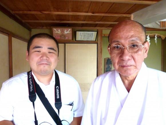 宮司さんと伊豆毎日新聞青木記者