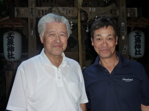 高橋弘会長とアキラさん