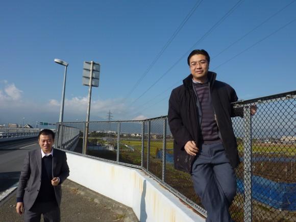 富士を背にする、黄副会長