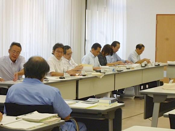 決算特別委員会