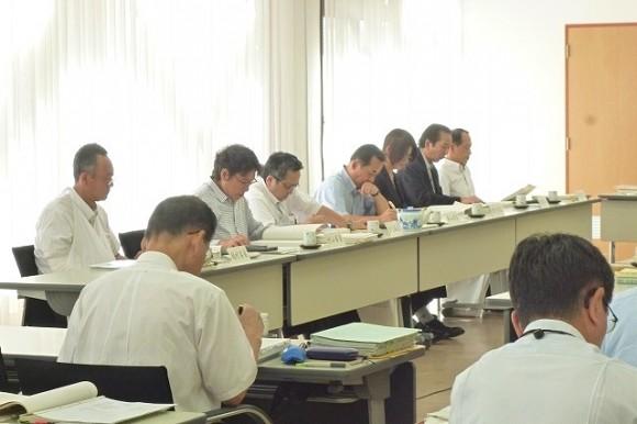 決算委員会