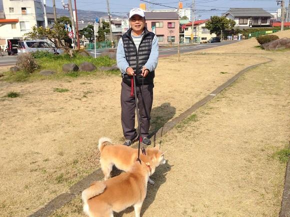 桜井氏&柴犬