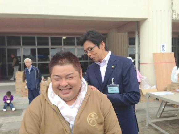 市長と佐藤